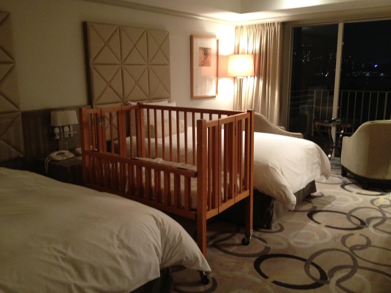 Hotel Nikko Odaiba baby cot