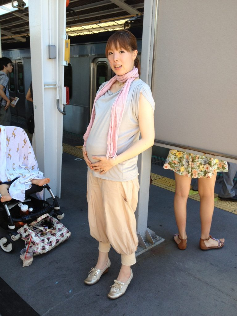 Maternity fashion in Tokyo