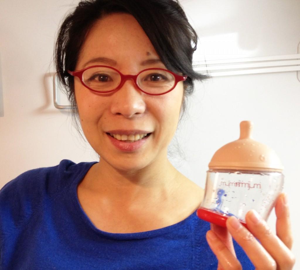 Tomoko testing out the Mimijumi