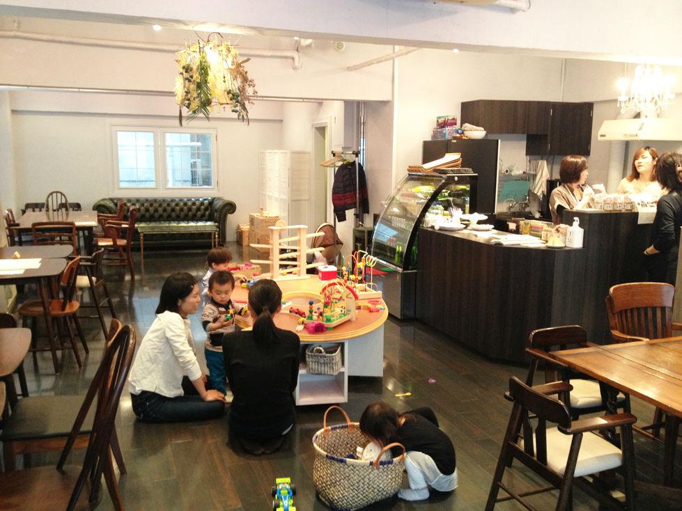 Bonheur de Sakura baby-friendly cafe, Shibuya Tokyo Japan