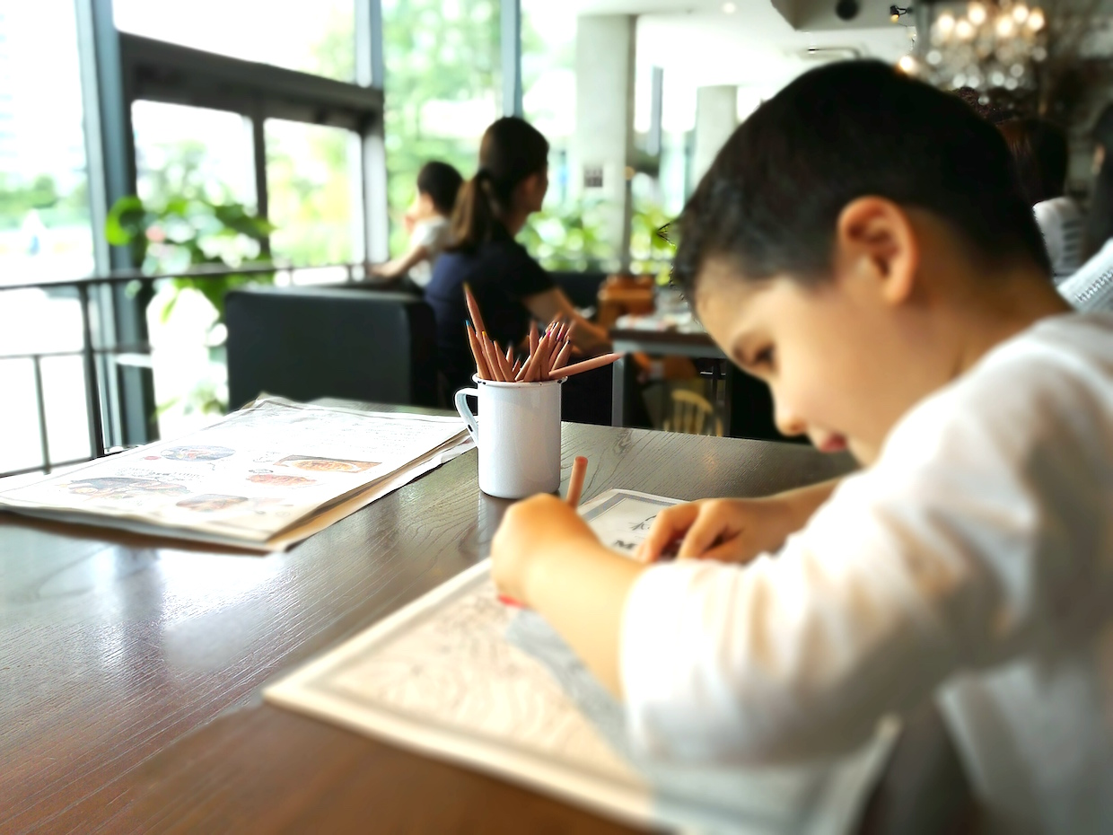 Coloring pencils and menus in 100 Spoons baby-friendly restaurant in Futako Tamagawa Tokyo