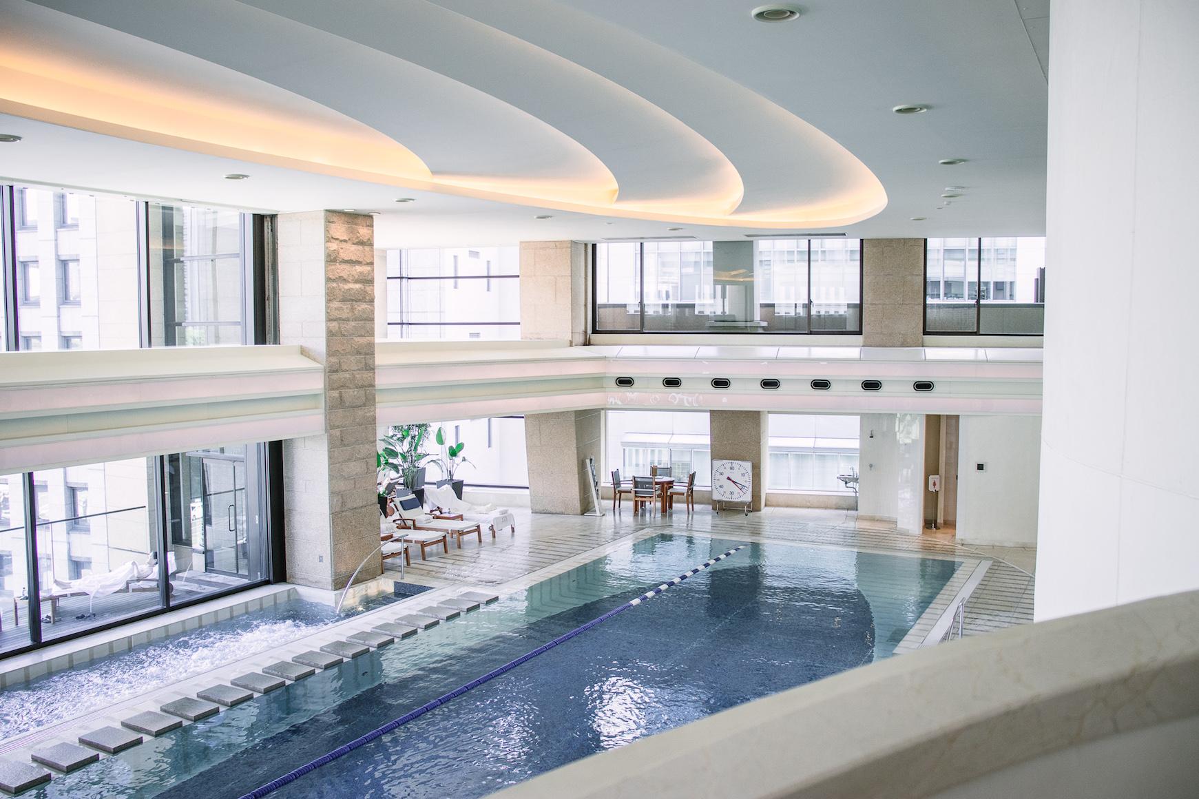 Peninsula Tokyo Hotel amazing swimming pool