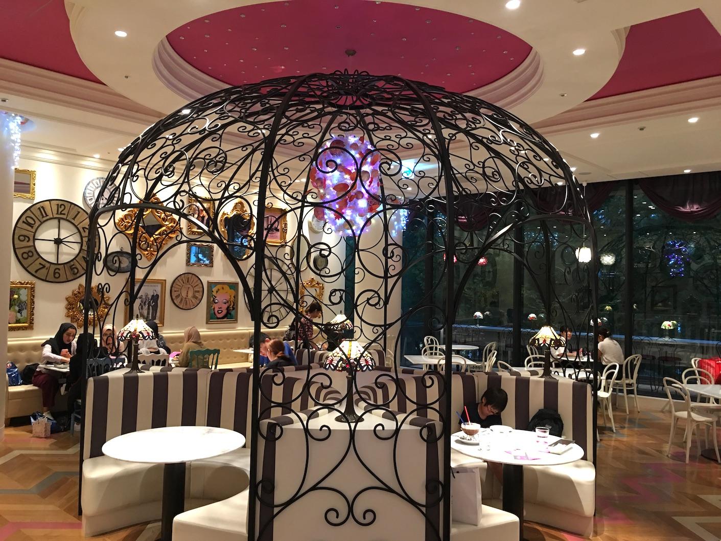 Serendity 3 child-friendly restaurant, Omotensando Tokyo inside