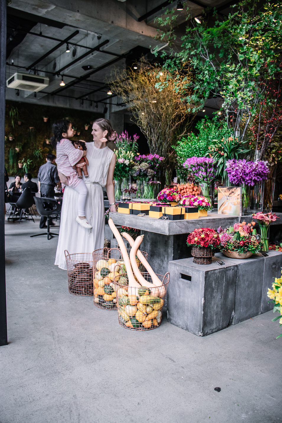 Nicolais Bergmann Nomu flower cafe Aoyama