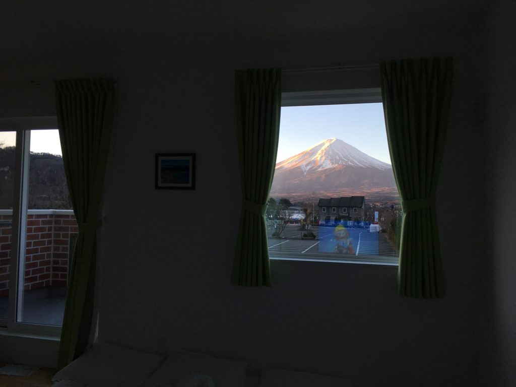 Mt Fuji view cottage with balcony