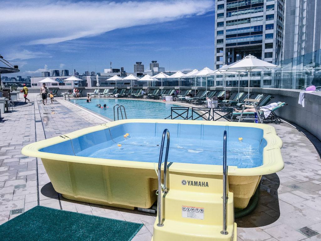 Grand Nikko Hotel Odaiba swimming pool toddler